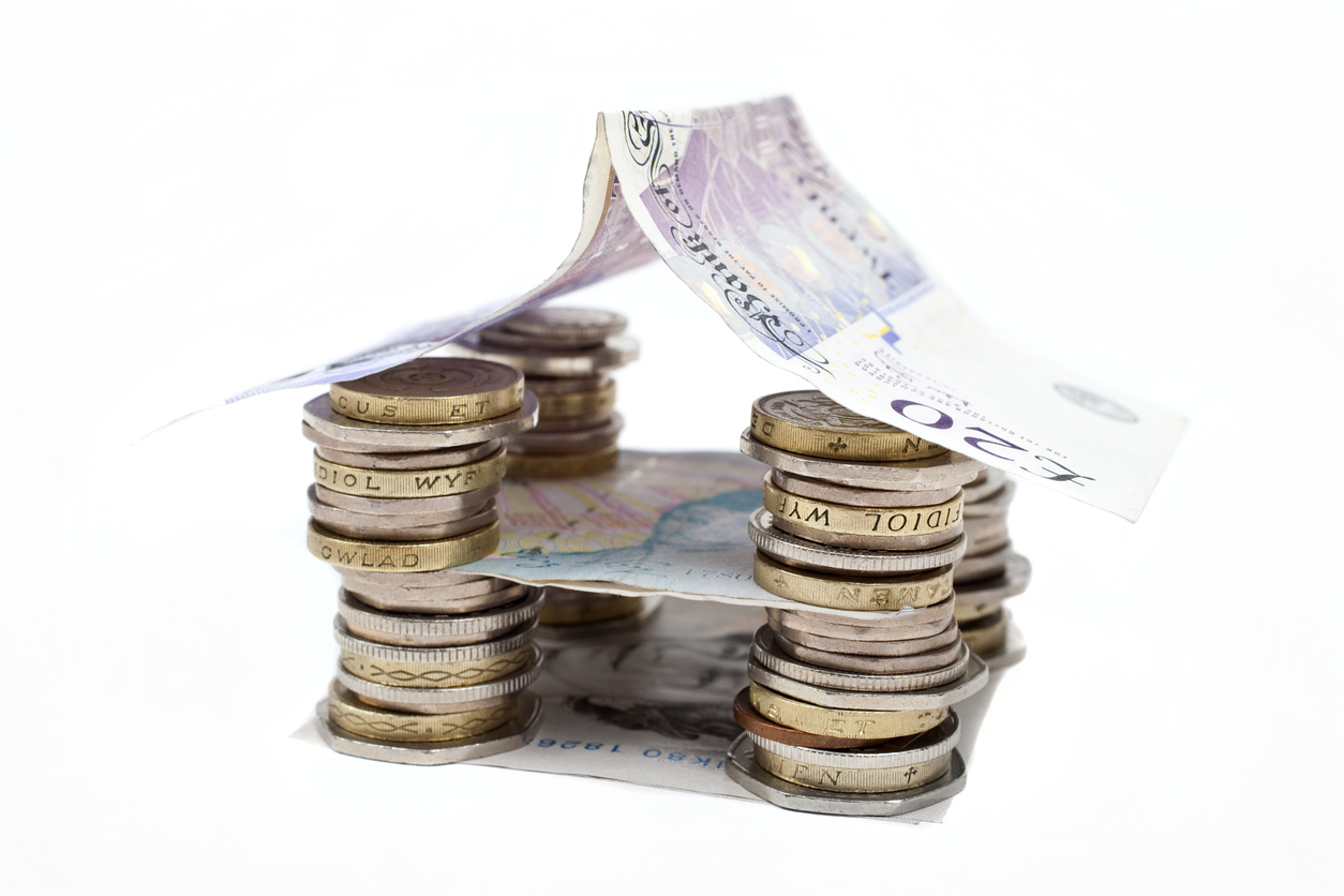 What Are the Advantages of Selling to a Property Cash Buyer?